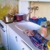 Mytí dřezu a sporáku - před